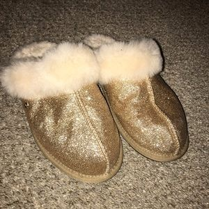 UGG scuffette II sparkle shearling slippers size 8